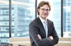 Niche bond broker fills gaps as globals exit