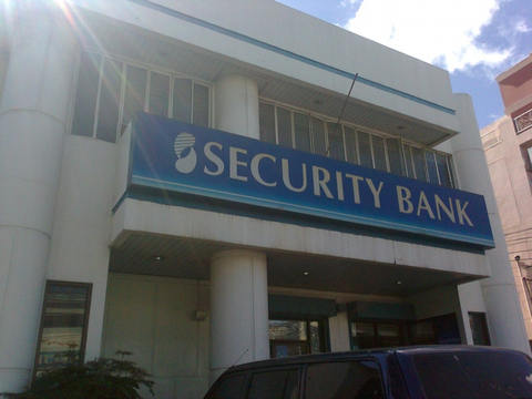 Security Bank cracks open bond investors