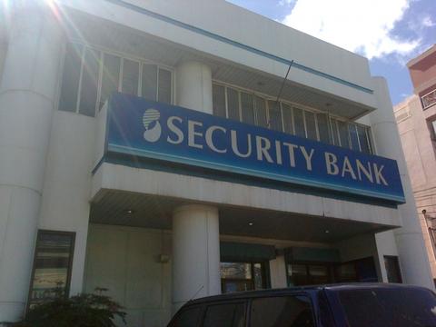 Security Bank cracks open bond investors