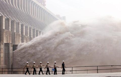 Sinohydro raises $2.1 billion from Shanghai IPO