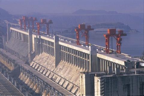Sinohydro lowers Shanghai IPO target to $2.3 billion