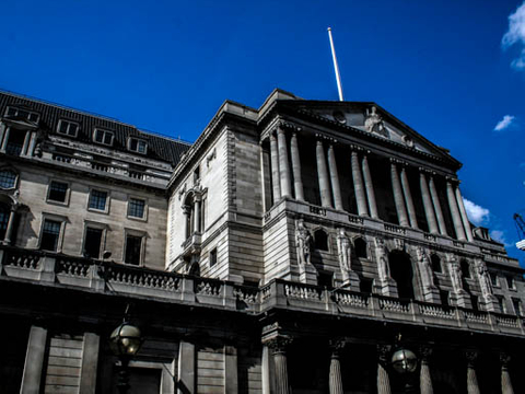 China and UK agree terms of currency swap