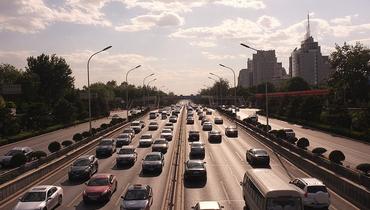 China's huge car market revs auto financing