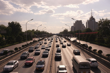 China's huge car market revs auto financing