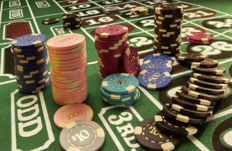 Blocks in Sands China and Wynn Macau raise $253 million