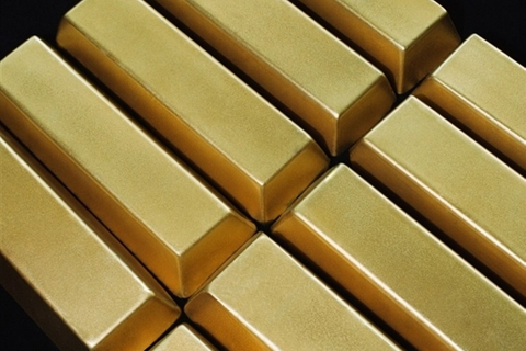 Central banks switch to hoarding gold