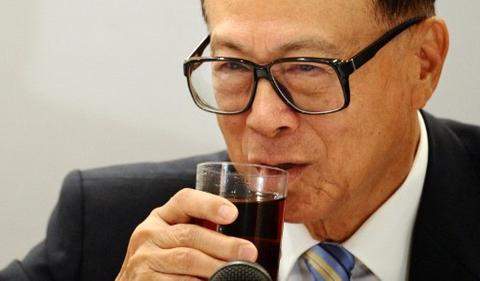 Hutch strikes with opportunistic $1.5 billion bond