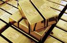 Hong Kong starts trading gold in renminbi