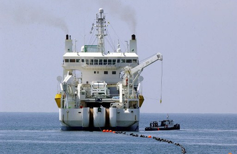 Reliance seeks $1 billion from subsea cable unit spin-off