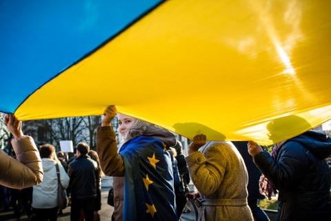 Asian G3 pipeline brews as Ukraine tensions ease